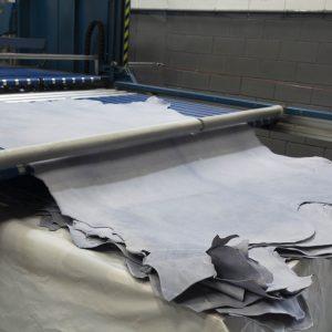 Apilado a máquina de wet blue